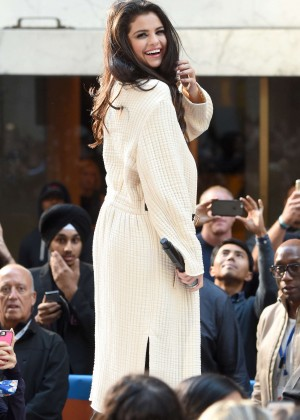 Selena Gomez: NBCs Today at Rockefeller Plaza -13