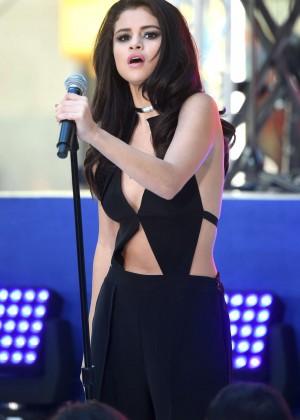 Selena Gomez: NBCs Today at Rockefeller Plaza -25