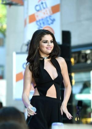 Selena Gomez: NBCs Today at Rockefeller Plaza -30