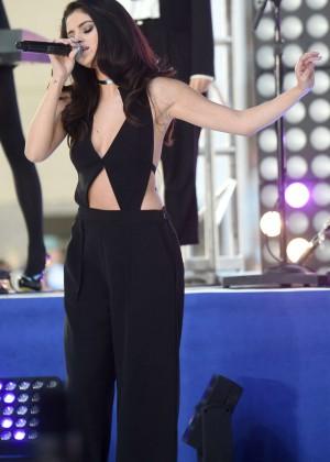 Selena Gomez: NBCs Today at Rockefeller Plaza -45