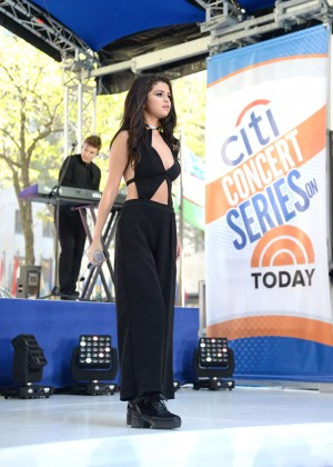 Selena Gomez: NBCs Today at Rockefeller Plaza -48