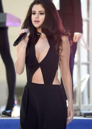 Selena Gomez: NBCs Today at Rockefeller Plaza -49