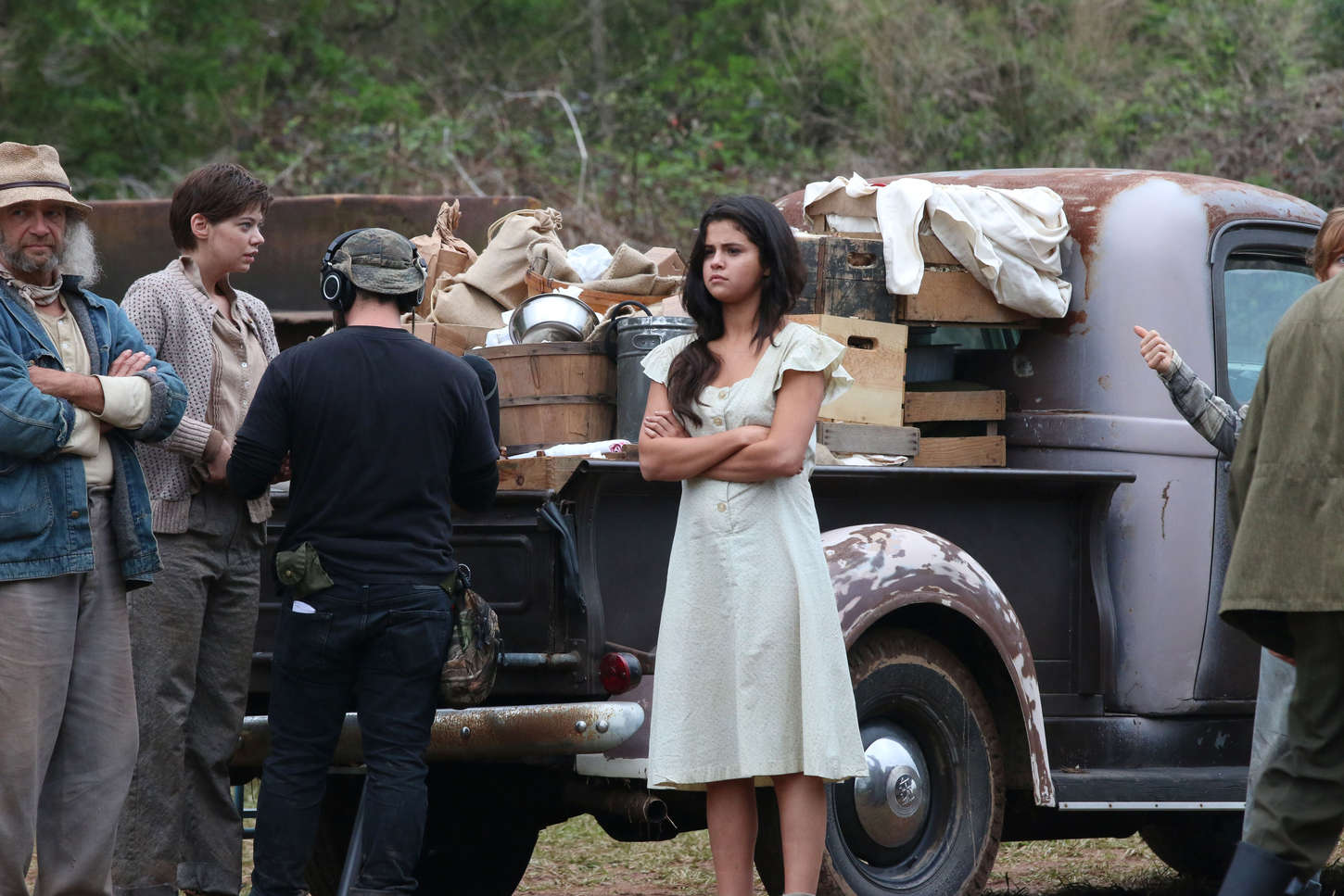 in dubious battle Synopsis an activist gets caught up in the labor movement for farm workers in california during the 1930s in the california apple country, nine hundred migratory workers rise up in dubious battle against the landowners.