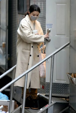 Selena Gomez - 'Only Murders in the Building' filming in New York