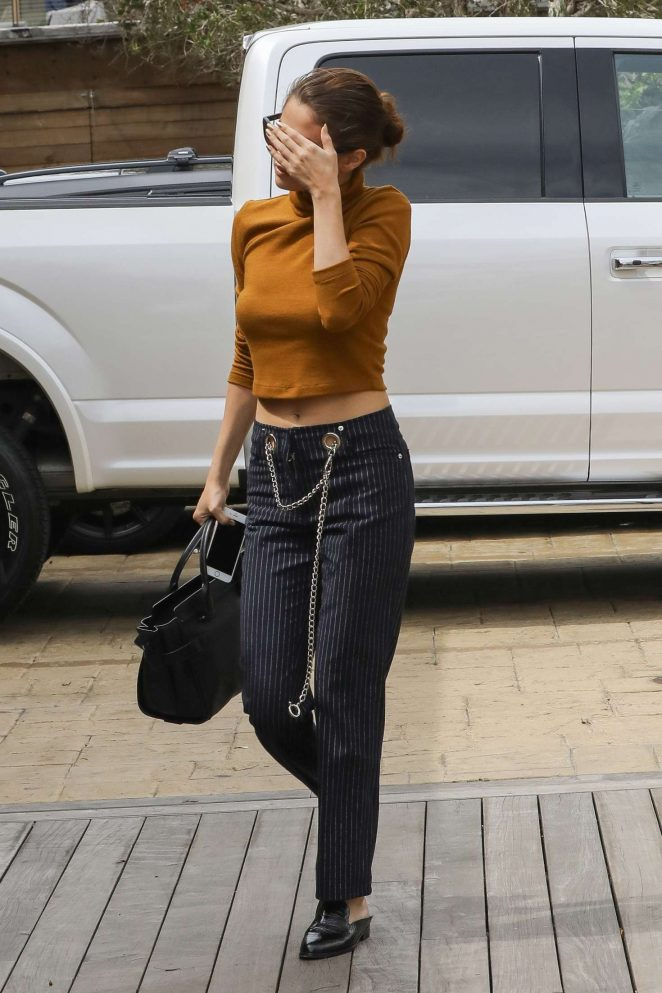 Selena Gomez out for a lunch -20