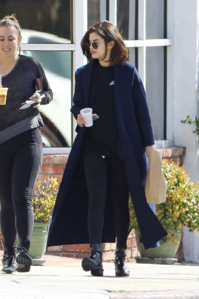 Selena Gomez - Out for Breakfast with Friends in Los Angeles