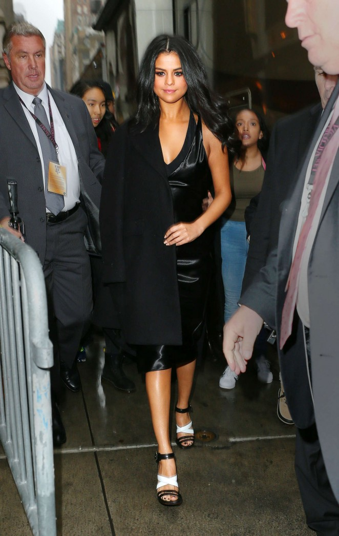 Selena Gomez – Out for lunch in NYC