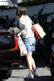 Selena Gomez - Out in Los Angeles