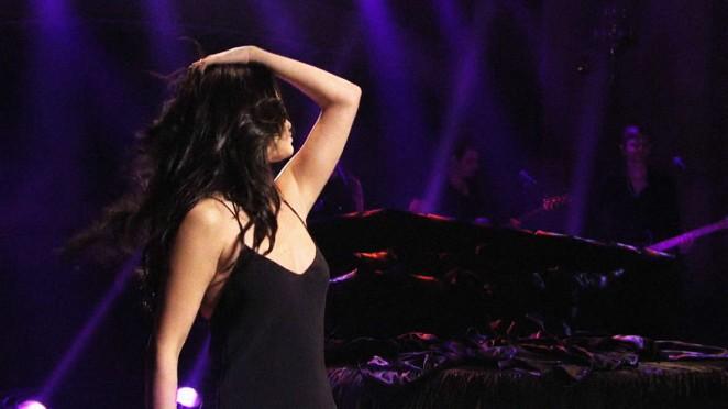 Selena Gomez 2016 : Selena Gomez p Performing on Saturday Night Live -04