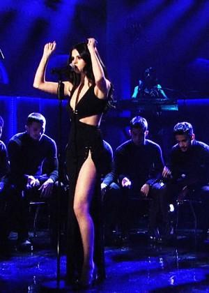 Selena Gomez p Performing on Saturday Night Live -19