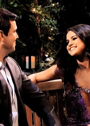 Selena Gomez p Performing on Saturday Night Live -24