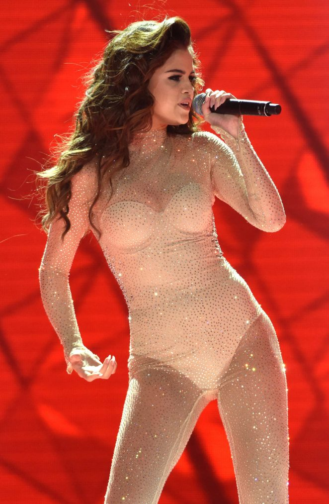 Selena Gomez - Performing at 'Revival World Tour' in Sacramento