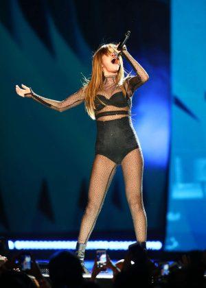 Selena Gomez - Performs at 'Revival Tour' in Minnesota