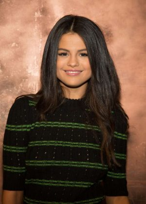 Selena Gomez - Photoshoot on 'Despierta America' set in LA