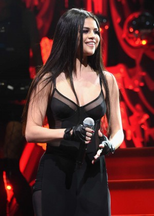 Selena Gomez - Q102's Jingle Ball 2015 in Philadelphia