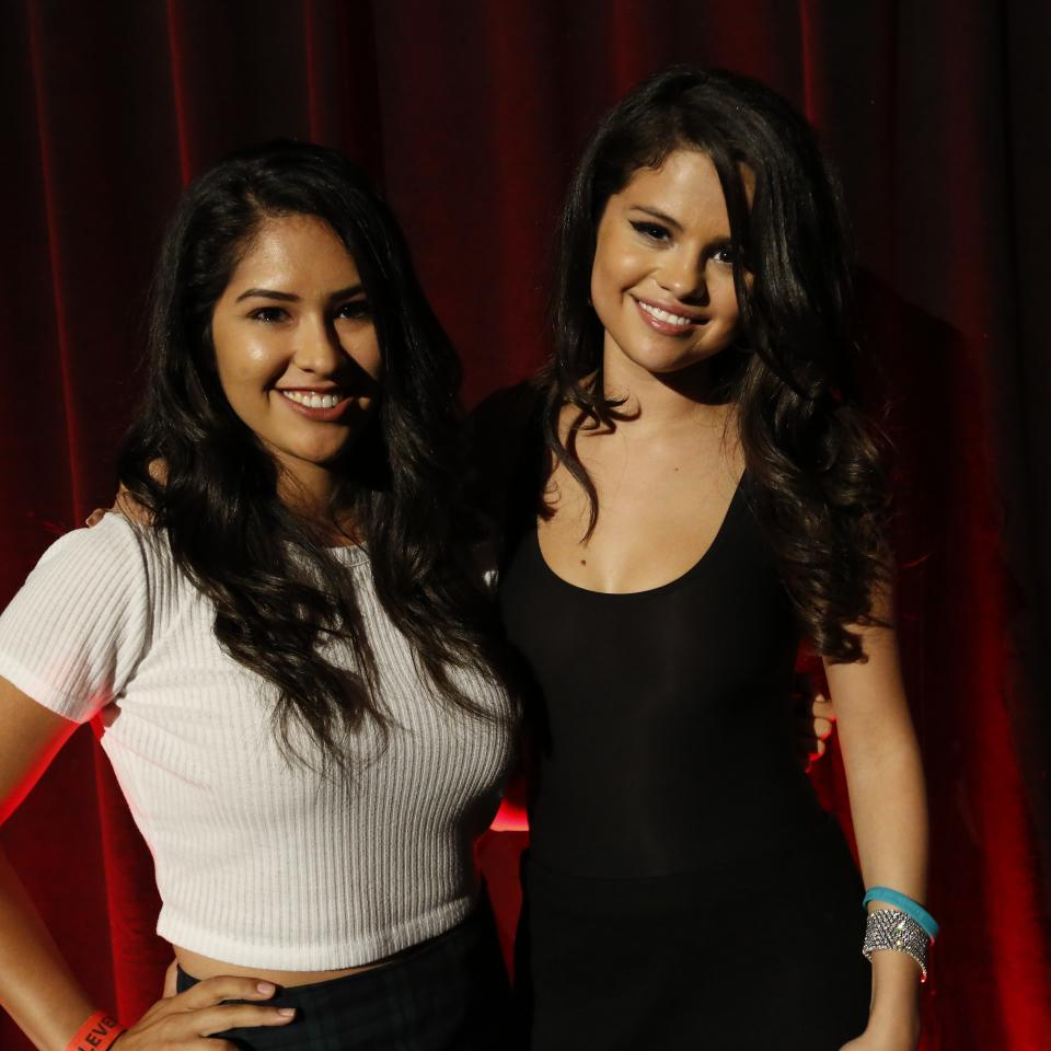 Selena gomez revival event fan meet 03 gotceleb selena gomez revival event fan meet 03 m4hsunfo