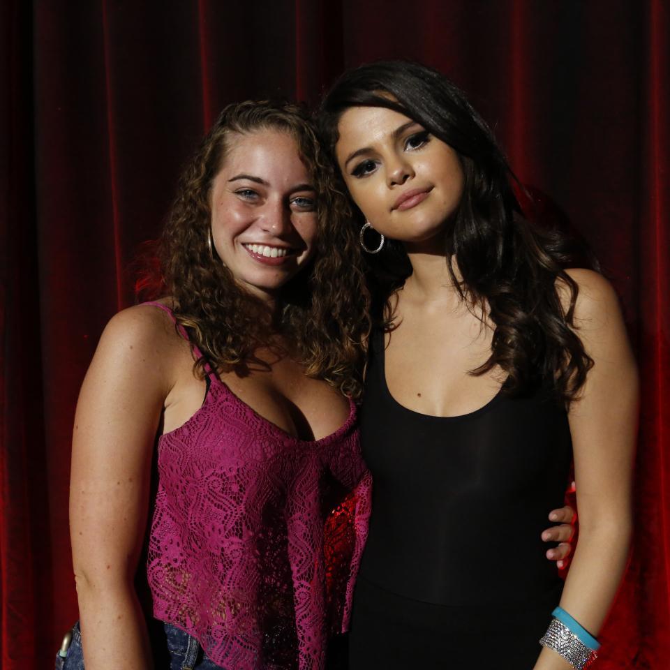 Selena Gomez Revival Event Fan Meet 41 Gotceleb