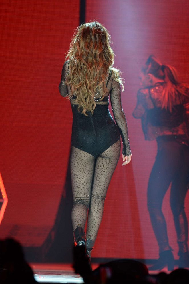 Selena Gomez – Revival Tour at Smoothie King Center in New Orleans