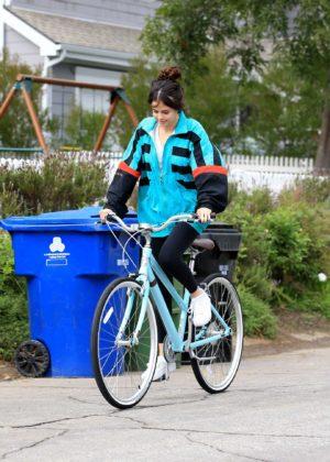 Selena Gomez - Riding a bike in Los Angeles