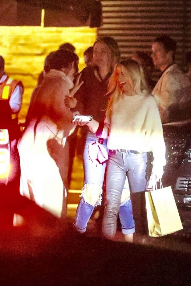Selena Gomez - Seen leaving Nobu with her friends in Malibu
