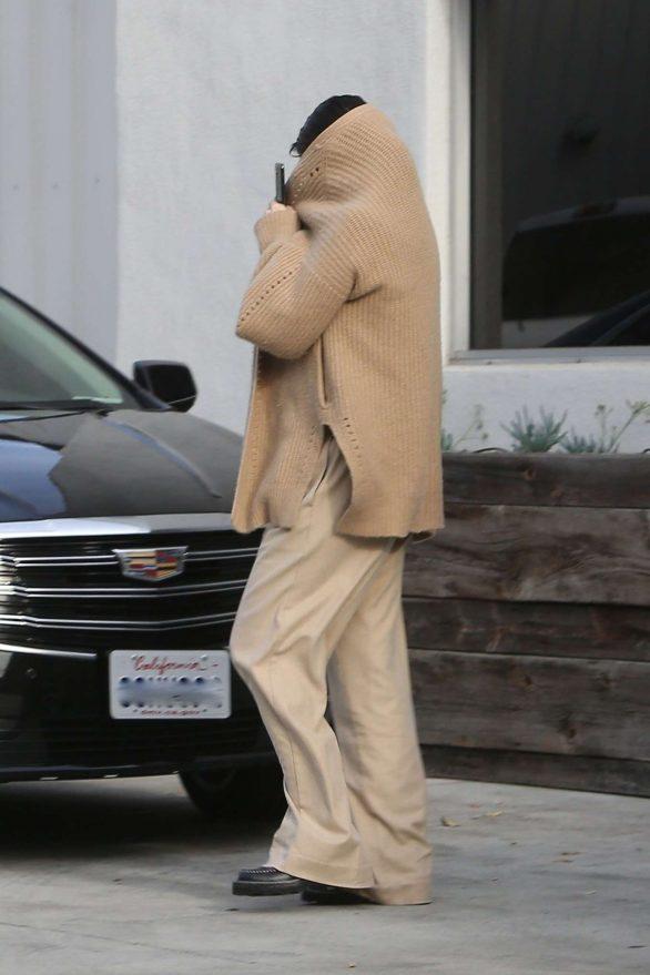 Selena Gomez 2019 : Selena Gomez – Seen while covers her face leaving the dance studio in Burbank-03