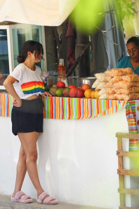 Selena Gomez - Shopping at Sayulita Village in Punta de Mita