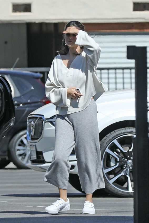 Selena Gomez 2019 : Selena Gomez – Shopping at XIV Karats in Beverly Hills-03