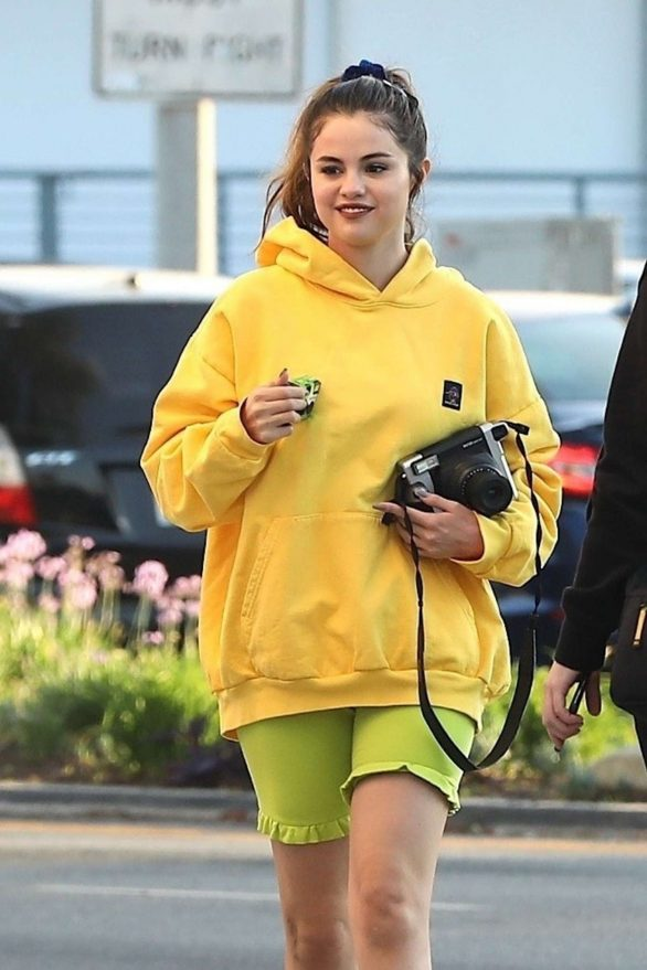 Selena Gomez - Shops with friends at Gelson's in Los Angeles