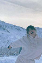 Selena Gomez - Social Media