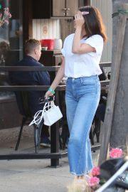 Selena Gomez - Spotted at Tacoes for Money Mercato Restaurant in Studio City