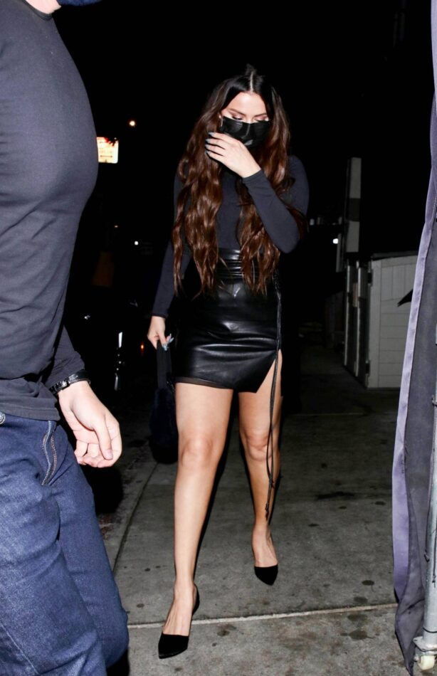 Selena Gomez - Spotted at The Nice Guy with a friend in West Hollywood