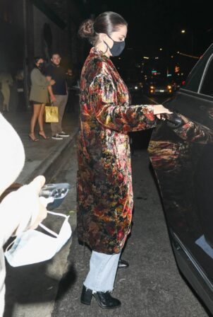 Selena Gomez - Steps out for dinner with friends at TAO in Hollywood