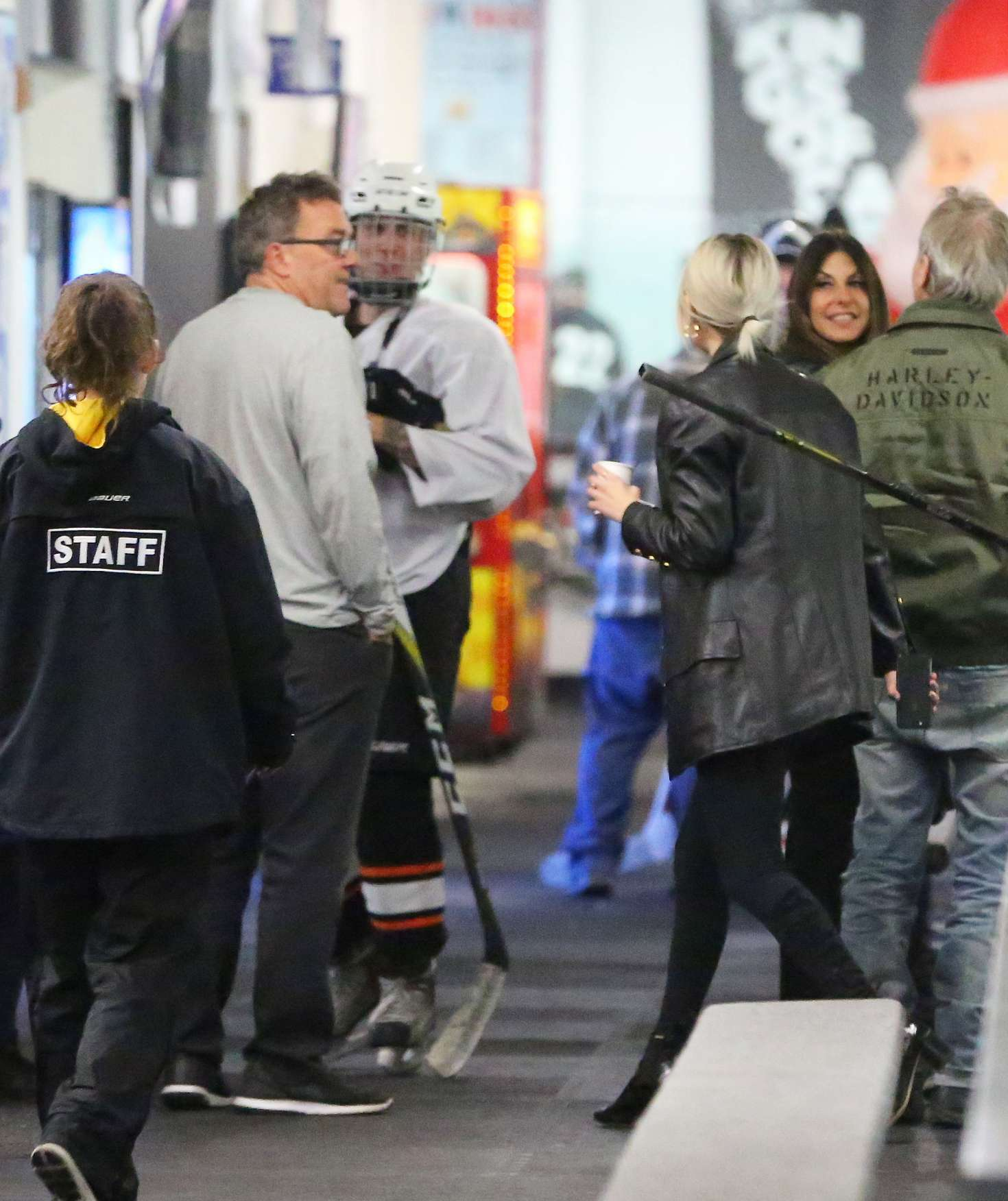 Selena Gomez 2017 : Selena Gomez: Supports Justin Bieber at his hockey game -01