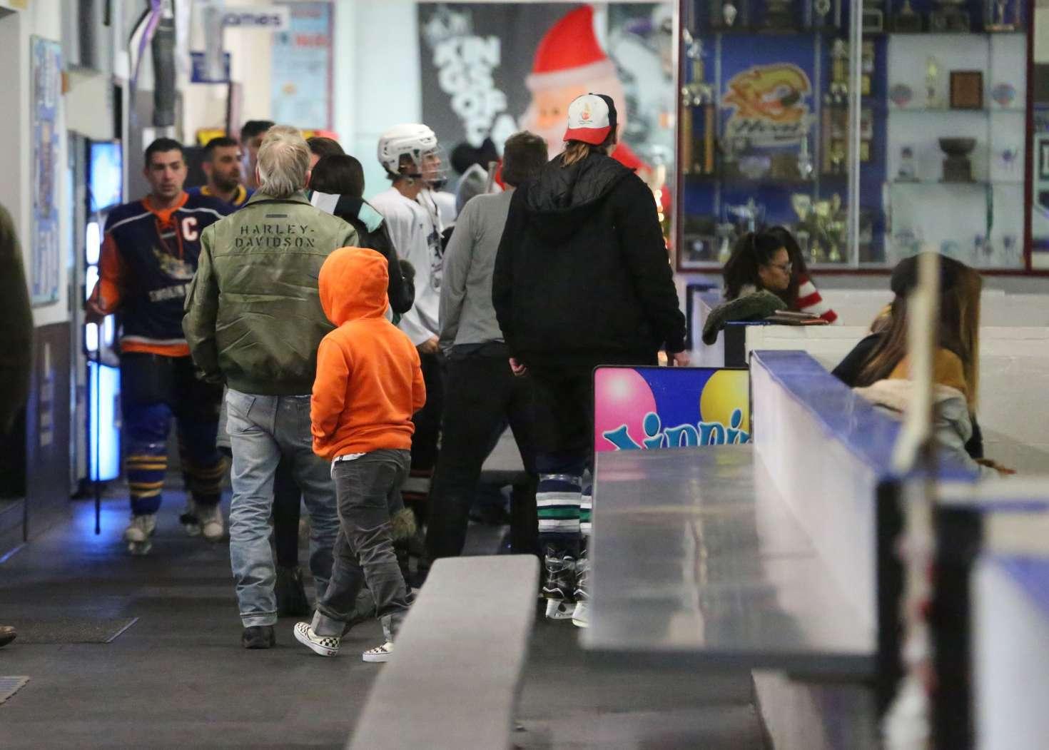 Selena Gomez 2017 : Selena Gomez: Supports Justin Bieber at his hockey game -03