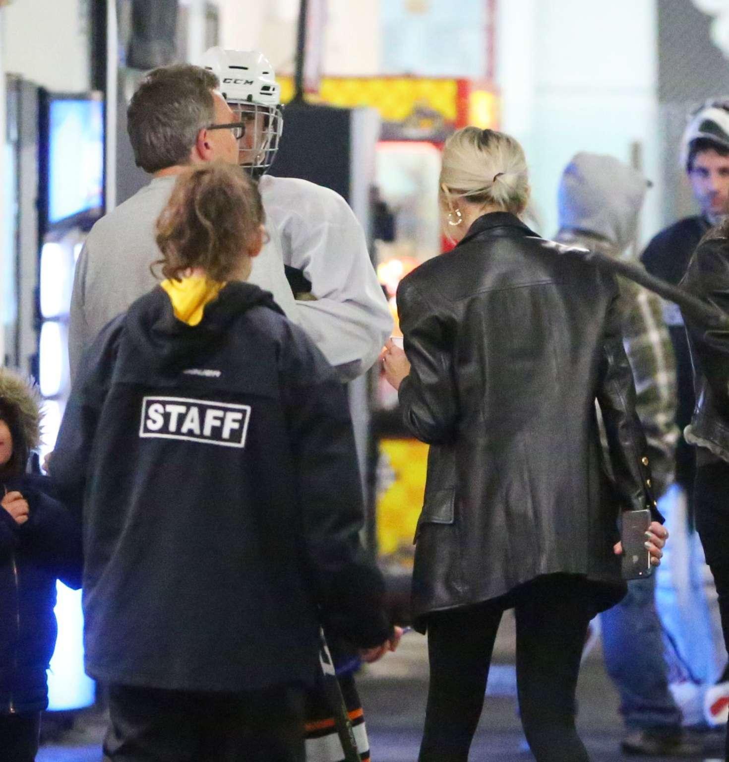 Selena Gomez 2017 : Selena Gomez: Supports Justin Bieber at his hockey game -05