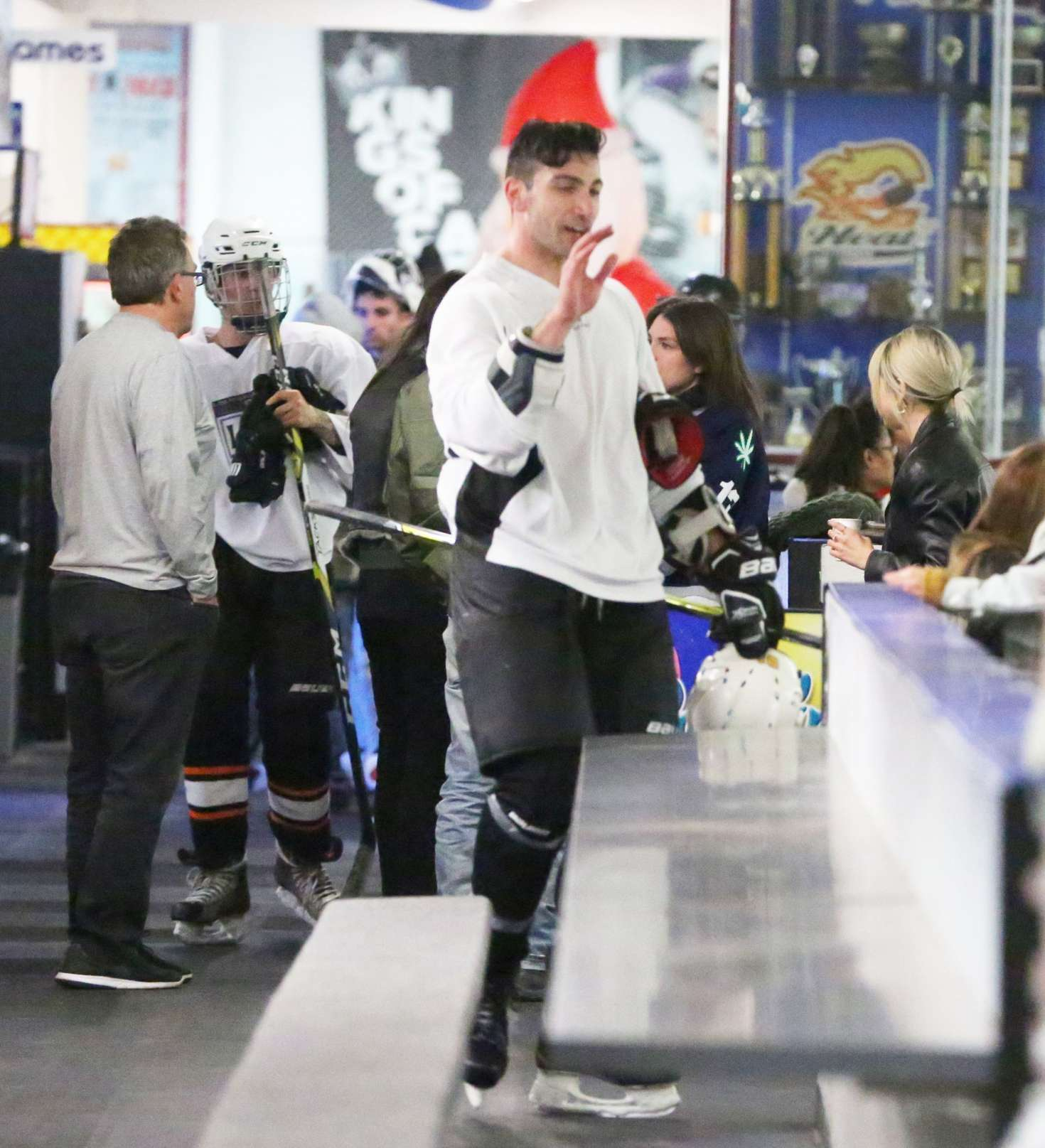 Selena Gomez 2017 : Selena Gomez: Supports Justin Bieber at his hockey game -11