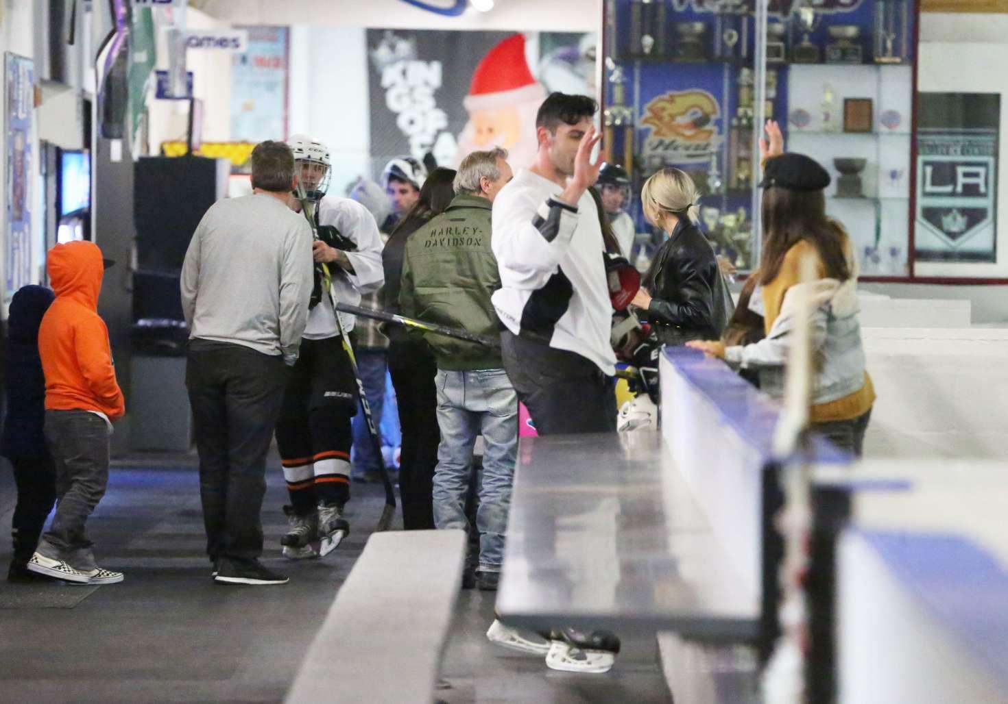 Selena Gomez 2017 : Selena Gomez: Supports Justin Bieber at his hockey game -15