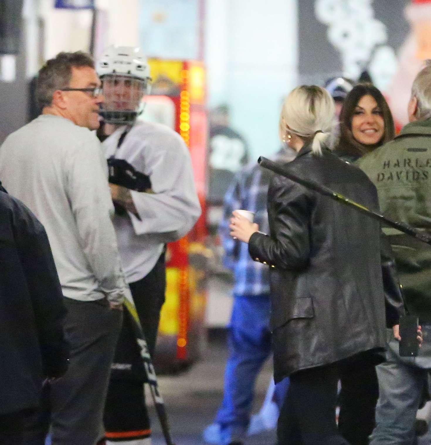 Selena Gomez 2017 : Selena Gomez: Supports Justin Bieber at his hockey game -18