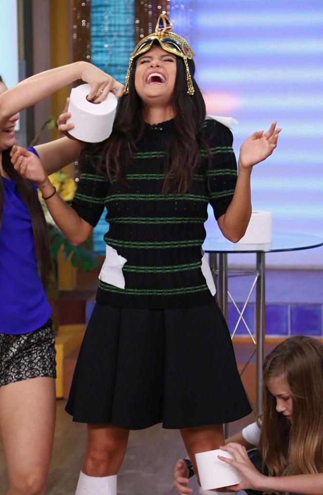 Selena Gomez – Univision's 'Despierta America' in Miami