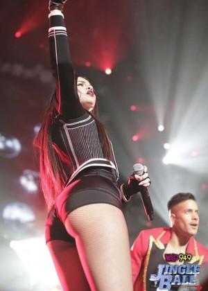 Selena Gomez: WiLD 94 9s FMs Jingle Ball 2015 -07