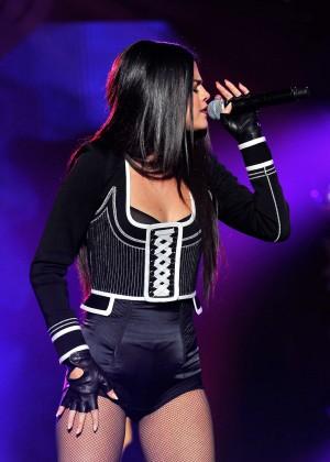 Selena Gomez: WiLD 94 9s FMs Jingle Ball 2015 -11