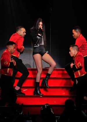 Selena Gomez: WiLD 94 9s FMs Jingle Ball 2015 -35