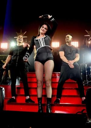 Selena Gomez: WiLD 94 9s FMs Jingle Ball 2015 -42