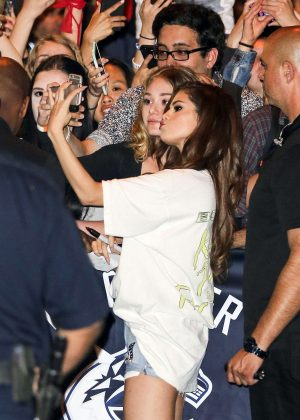 Selena Gomez in Jeans Shorts with her fans -01