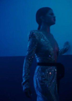 Selena Gomez - Wolves Music Video Screenshot