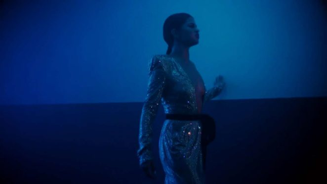 Selena Gomez – Wolves Music Video Screenshot