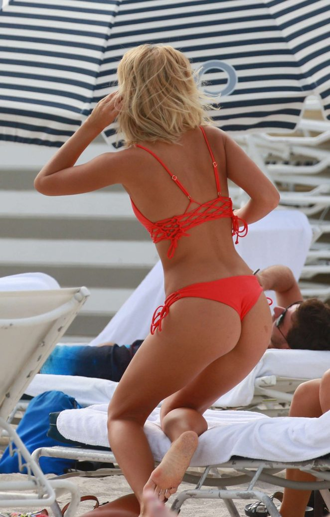 Aug 09, · Well, that was fast. Fashion designer Tommy Hilfiger and his wife, Dee Ocleppo Hilfiger, sold a beachfront home in Palm Beach, FL, for $35 million, after owning it .