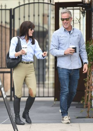 Selma Blair - Gets a coffee with a friend in Los Angeles