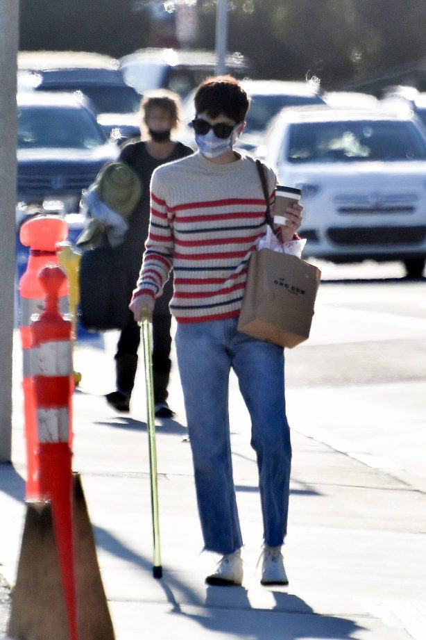 Selma Blair - In jeans and a striped sweater at the Malibu Pier