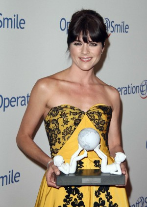 Selma Blair - Operation Smile's 2015 Smile Gala Event in Beverly Hills